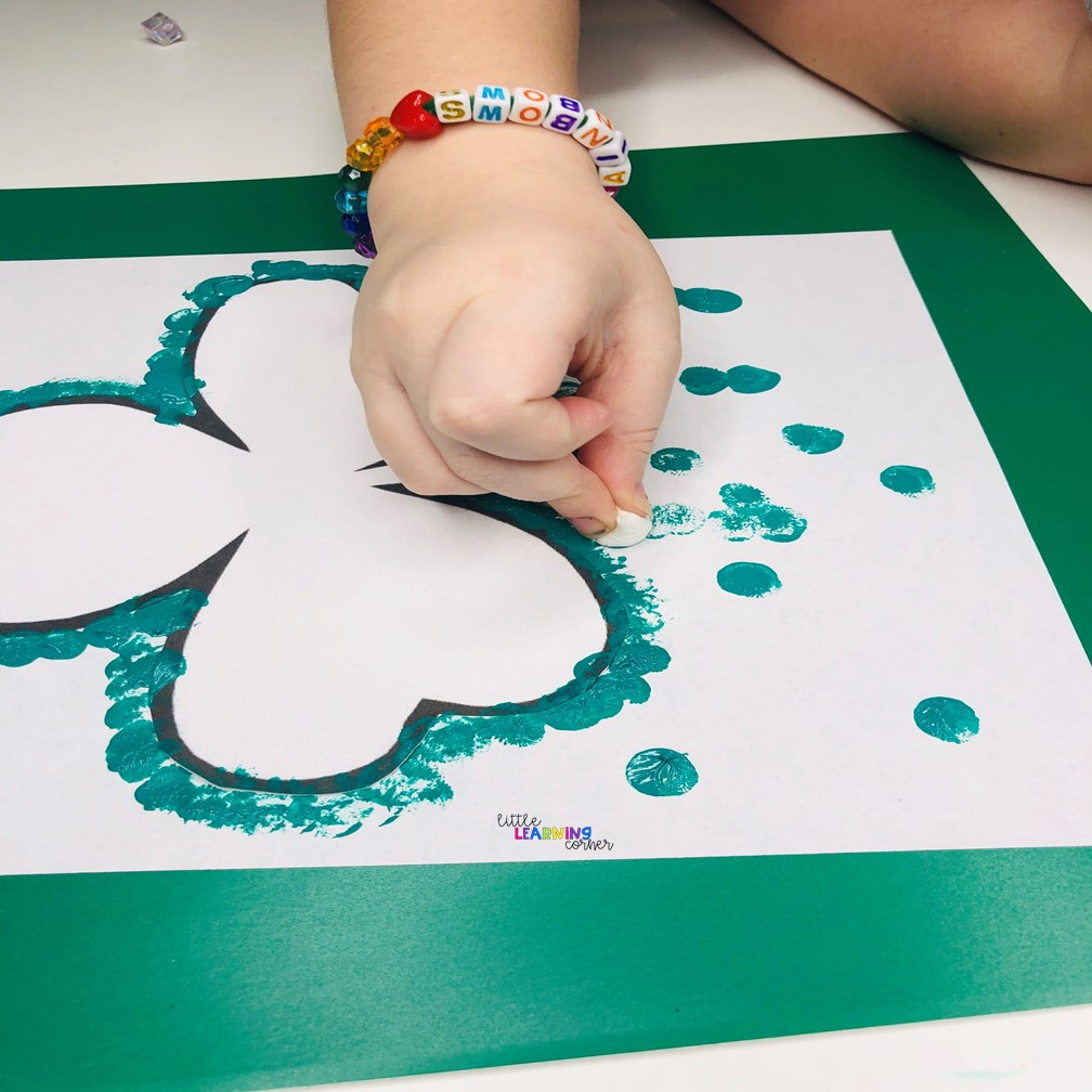 st-patricks-day-carfts-for-kids-shamrock-paint-2
