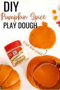 pumpkin-spice-playdoh-recipe
